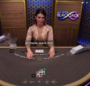 Infinite Blackjack d'Evolution Gaming : table de black jack en ligne sans limitation de places