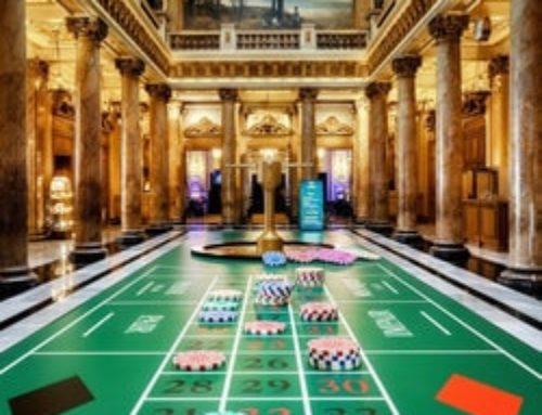L'atrium du Casino de Monte-Carlo accueille une roulette grandeur nature