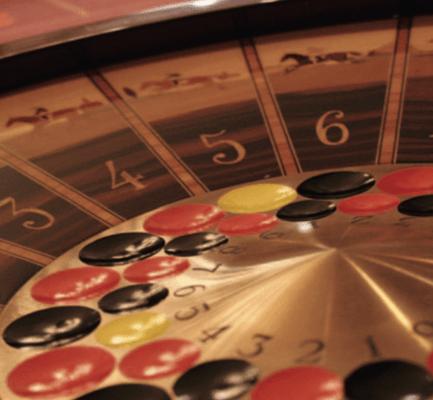 La boule 2000 est un des jeux de tables les plus populaires dans les casinos en France